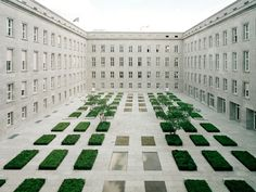 Kleihues & Kleihues - Renovation of the Federal Ministry of Labour and Social Affairs, Berlin 2001. Via, photos © Hiepler, Brunier.