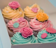 rose and button cupcakes