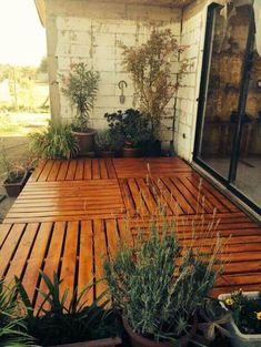 Here are our top picks for pallet deck ideas, may these help you find the deck you need to achieve the outdoor spot of your dreams! For more ideas go to palletninja.com