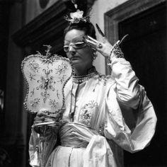 Venice Bal Besteigui, September 1951 by Robert Doisneau Gene Tierney, Robert Doisneau, Jacques Fath, White Photography, Street Photography, Vintage Photography, Black White Photos, Black And White, Peggy Guggenheim