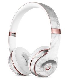 White Scratched Marble Full-Body Skin Kit for the Beats by Dre Solo 3 Wireless Headphones - Gadgets Cute Headphones, Wireless Headphones, Beats Earbuds, Workout Headphones, Skullcandy Headphones, Beats By Dre, Accessoires Iphone, Rose Gold Marble, White Marble