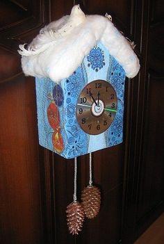een doosje, watten, een cd en dennenappels >> een klok!