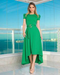 O dress romantic possui um shape lindíssimo. Modest Fashion, Boho Fashion, Fashion Dresses, Womens Fashion, Fashion Design, Girl Fashion, Frock For Women, Light Dress, Dress With Sneakers