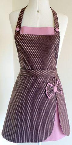 Avental Poá, forrado em tecido 100% algodão, Jardin de Fil. This apron is soooooo cute! Cudo's to the creator!