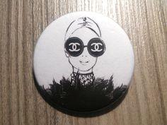 Chapa chica con gafas Chanel. por NagoreGaramendi en Etsy
