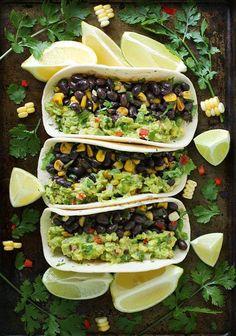 tacos guacamole con frijoles y elote