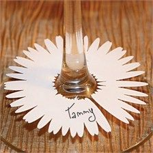 Wine Glass identifiers in Laser Cut Daisy Design. When you have lots of wine glasses (and lots of wine!) it is tough to remember which glass belongs to who...great for a wine tasting party!