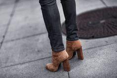 camel booties