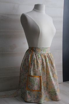 Vintage Prairie Floral Half Apron by theloftonbroome on Etsy