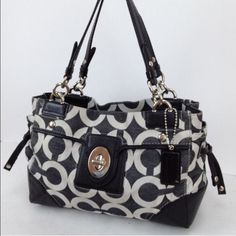 Authentic Coach Peyton Op Art canvas bag Super adorable coach bag that is really well loved and marked at a great price. I will create a second listing with all the flaws. Thanks for looking ❤️ Coach Bags Totes