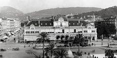 """A Grimaldi, en Italie, on pouvait prendre l'ancien""""plus grand ascenseur de la Côte d'Azur"""", menant à l'hôtel Miramar. Il se trouvaitauxRochers rouges et non au Cap-Martin, comme indiqué par erreur sur la carte postale."""