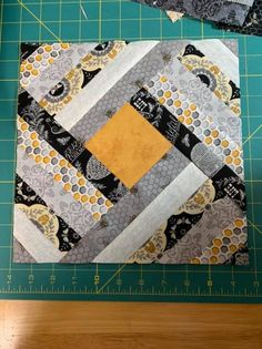 I started a new quilt This was is sooooo long in the making. Couldn't decide what to make, design wise. Borrowed log cabin ruler today and it's awesome. This is a 12 inch block and I need to make a big quilt. Quilt Square Patterns, Jelly Roll Quilt Patterns, Patchwork Quilt Patterns, Quilt Block Patterns, Pattern Blocks, Crazy Patchwork, Patchwork Fabric, Big Block Quilts, Lap Quilts