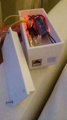 Aprende y controla las persianas de tu hogar mediante una placa Arduino. Interesante proyecto relacionado con la domótica.