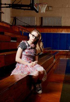 Chloe as Class Nerd - In High School I would have loved this girl if I hadn't already fallen in love with my English teacher Chloe Grace, Celebrity Gossip, Celebrity Crush, Guys And Girls, Cute Girls, Chole Grace Moretz, Hit Girl, Atlanta, Tommy Flanagan