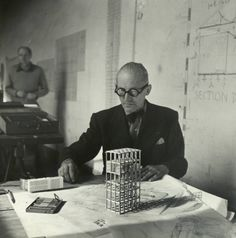 "Le Corbusier // ""You employ stone, wood and concrete, and with these materials you build houses and palaces. That is construction. Chinese Architecture, Futuristic Architecture, Architecture Plan, Amazing Architecture, Modern Architects, Famous Architects, Ronchamp Le Corbusier, Famous Furniture Designers, Art World"