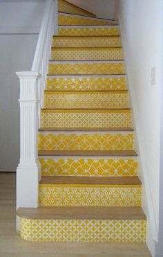 seriously?! if the man would let me rip up the carpet on the stairs I would seriously do this...beauty.