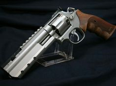 Smith and Wesson Custom Revolver Custom Revolver, Custom Guns, Smith And Wesson Revolvers, Smith N Wesson, Weapons Guns, Guns And Ammo, Fire Powers, Cool Guns, Tactical Gear