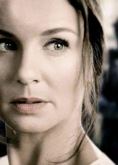 "Sarah Wayne Callies as Katie Bowman in USA Network's drama series ""COLONY"""