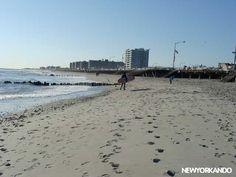 Rockaway Beach en Queens es playa de surfistas cantada por los Ramones. En un viaje en metro de algo más de una hora llegan. Ideal si quieren escaparse de la ciudad por un rato