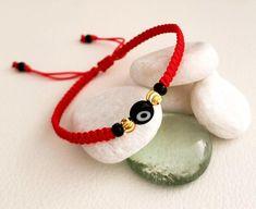 Red thread macrame bracelet for protection with black Turkish eye, goldfilled and miyuki beads Thread Bracelets, Macrame Bracelets, Turkish Eye, Evil Eye Bracelet, Stackable Bracelets, Cute Jewelry, Or Rose, Washer Necklace, Bracelets
