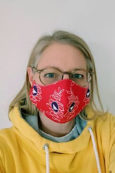 Sew the mask with filter - how does it work? - Sew a fabric breathing mask yourself 💡 How it works ✅ With a filter bag ✅ Step by step sewing instructions ✅ PDF sewing pattern ✅ Suitable for beginners ✅ Sewing Patterns Free, Free Sewing, Sewing Tutorials, Purse Patterns, Poncho Crochet, Self Care Bullet Journal, Breathing Mask, Diy Mode, Respirator Mask
