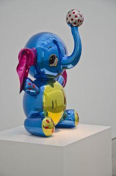 Jeff Koons, American Pop Artist ...XoXo Elephant Sculpture, Sculpture Art, Jeff Koons Art, Contemporary Artists, Modern Art, Meet The Artist, American Artists, Art Google, Love Art