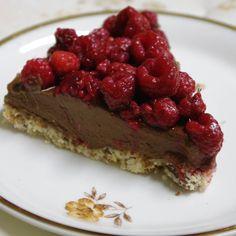 #ASacredVow by #willathorne inspired this #rawcake with #rasberries #vampirebook #blogpost #tasteoftales