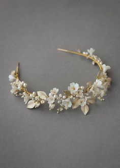 FLORES floral wedding headpiece 15 Flores is a floral wedding crown constructed from a dreamy palette of soft ivory, pale gold and silver tones. Floral Headpiece, Headpiece Wedding, Bridal Headpieces, Wedding Veils, Gold Headpiece, Wedding Bouquets, Bridal Tiara, Bridal Earrings, Bridal Jewelry