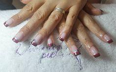 El espíritu navideño empezó a visitar Divina Piel. Hoy Paula eligió este hermoso diseño para su service de hilos de fibra UV 🎄 Diciembre ya se siente cerca!  #esculpidas #hilodefibraUV #esmaltado #semipermanente #nailart #naildesign #nailstyle #tendencias #loveit #manosperfectas #becool #getthelook #lookoftheday #temporada2016 #noviembre #diseño #perfectnails #color #manicure