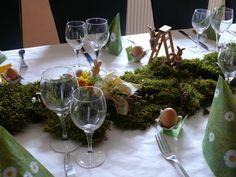 Un zoom d'une décoration nature en mousse verte