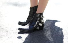 Ankle boots (already thinkinh about fall?nope, but a pretty pair of boots is always a good idea)