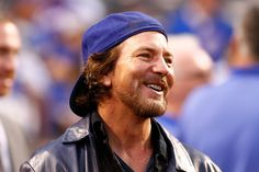 Eddie Vedder: 40 Facts About The Pearl Jam Lead Vocalist - Page 6 of 8 - GoKnowey