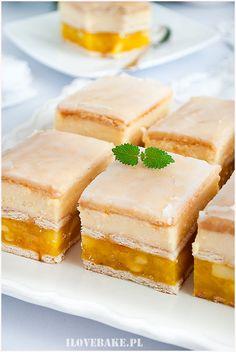 Sernik z jabłkami bez pieczenia - I Love Bake Cornbread, Cheesecake, Ethnic Recipes, Food, Millet Bread, Cheesecakes, Essen, Corn Bread, Yemek