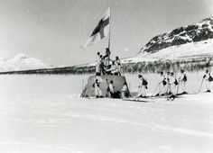 Finnish soldiers raise the war flag at the three-country cairn between Norway, Sweden, and Finland on 27 April the end of World War II in Finland. x : HistoryPorn History Of Finland, Lappland, Defence Force, Troops, Soldiers, Military History, World War Two, Old Photos, Nostalgia