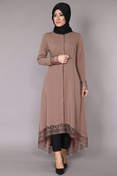 Muslim Women Fashion, Pakistani Dresses Casual, Latest African Fashion Dresses, Stylish Dresses For Girls, Stylish Dress Designs, Mode Abaya, Mode Hijab, Abaya Fashion, Fashion Outfits