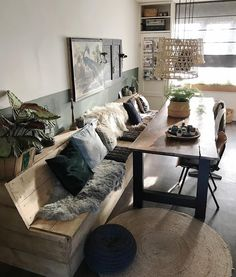 Today is celebrated in Amsterdam birthday. What are you going to do? Small Living Rooms, Living Room Modern, Vintage Interior Design, Apartment Design, Sweet Home, New Homes, Room Decor, House Design, House Styles