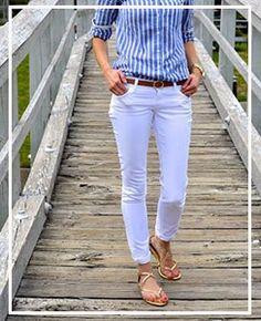 ¿Cómo vestirse elegante después de los 50 años? Over 50 Womens Fashion, White Jeans, Glamour, Fashion Outfits, Chic, Lady, My Style, Pants, Color