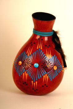 Eye of the Diamond Vase. Very popular class. Gourd art by Miriam Joy.
