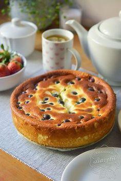 Oszukany sernik z jogurtów greckich jest przepyszny i bardzo łatwy w przygotowaniu. Jednak, aby był odpowiedni do Pastry Recipes, Cake Recipes, Snack Recipes, Dessert Recipes, Cooking Recipes, Healthy Cake, Healthy Sweets, Polish Desserts, Café Chocolate