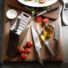 Williams Sonoma's knife sets will help you accomplish a variety of cutting tasks with ease. Find knife block sets, cutlery sets and ceramic knife sets at Williams Sonoma. Global Knives, Global Knife Set, Chefs, Fancy Kitchens, Best Pocket Knife, Pocket Knives, Survival Knife, Survival Gear, Survival Items
