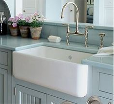@Rohl and @houzz--there isn't anything better than an apron front sink! A must have in kitchen.