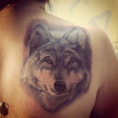 realistic wolf tattoo for women (10)