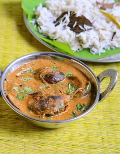 Brinjal gravy/Kathirikai curry recipe-An yummy side dish for biryani-South indian style !