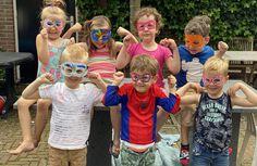 Kant en klare kinderfeestjes. Ja of nee? Carnival, Painting, Superheroes, Carnavals, Painting Art, Paintings, Painted Canvas, Drawings