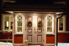 Scandinavian Cottage, Cottage Style, Tiny House, Sweet Home, Entryway, New Homes, Layout, House Design, Windows