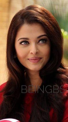 Aishwarya Rai Young, Aishwarya Rai Pictures, Aishwarya Rai Bachchan, Miss World, Indian Bollywood Actress, Indian Actresses, Beautiful Eyes, Most Beautiful Women, Allu Arjun Hairstyle