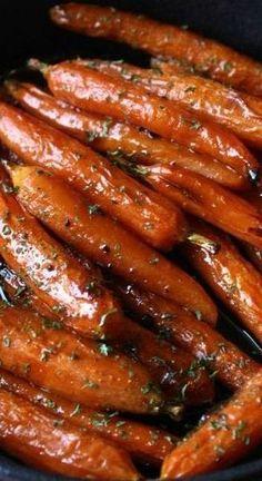 Brown Sugar Baked Carrots (easy to make keto! Baked Carrots, Roasted Glazed Carrots, Maple Glazed Carrots, Vegetarian Recipes, Healthy Recipes, Cooking Recipes, Cooking Cake, Cooking 101, Cooking Ideas