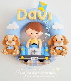 Guirlanda do Davi  O papai gosta de carros antigos então o Davi veio todo fofinho no carro V8  Obrigada mamãe Ju pela confiança ... amei confeccionar e elaborar com você cada detalhe ❤