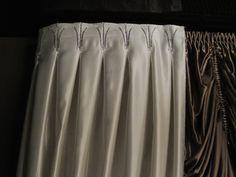 Curtains with inner box pleats, decorated with rhinestones and crystal beads Шторы с внутренними бантовыми складками, декорированными стразами и хрустальными бусинами
