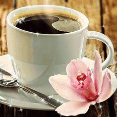 Coffee and flowers Coffee World, Coffee Is Life, I Love Coffee, My Coffee, Coffee Shop, Coffee Cups, Tea Cups, Coffee Aroma, Coffee Gif